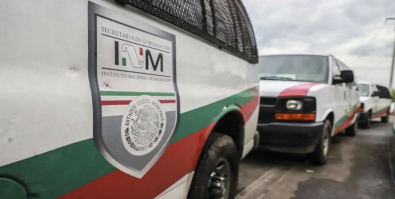 Detienen en México a dos personas que trasladaban ilegalmente a 76 migrantes
