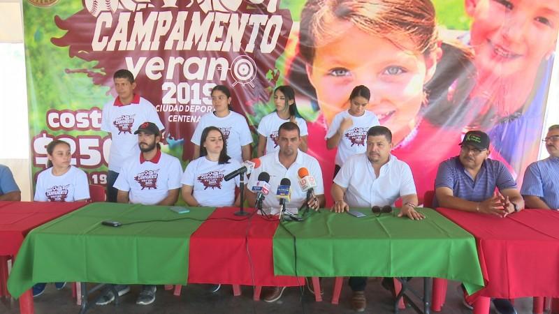 Presentan campamento de la CD Centenario
