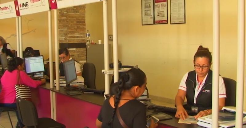 Invitan en Mazatlán a renovar credencial INE