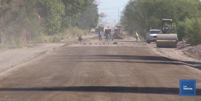 Sustituyen carpeta asfáltica en calle Kino en Ciudad Obregón