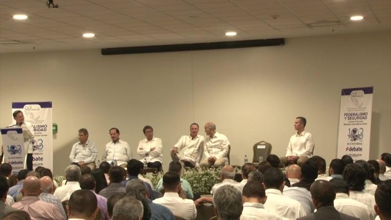 Llaman a fortalecer el federalismo en México