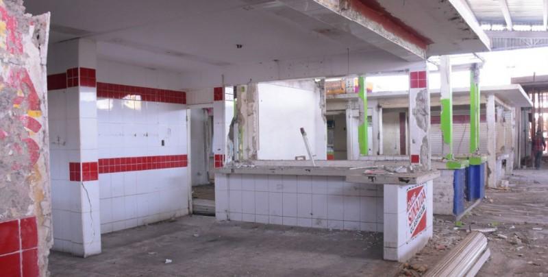 Supervisan instalaciones del mercado en Eldorado