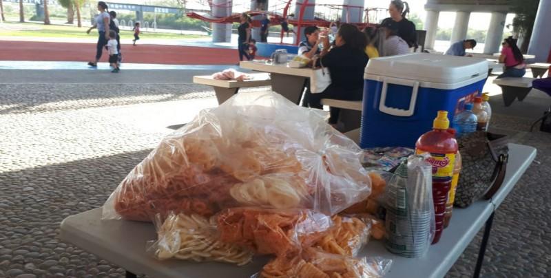 Retiran vendedores ambulantes del Parque Acuático