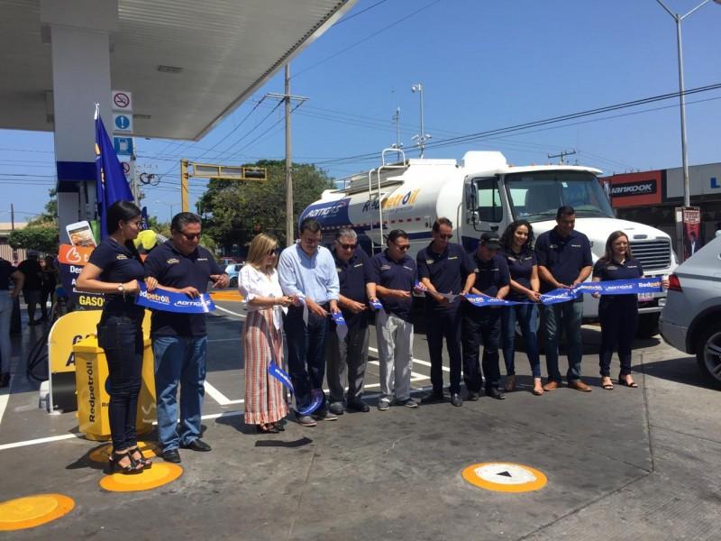 Inauguran dos estaciones Red Petroil con imagen renovada en Mazatlán