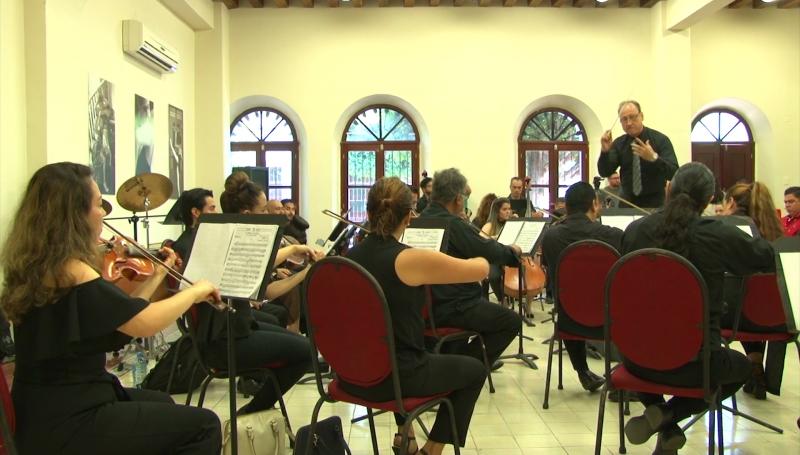 Presentan al nuevo director de la Camerata Mazatlán