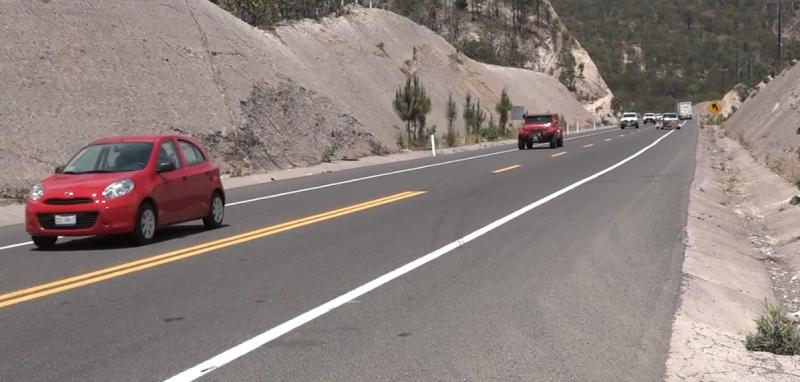 Ponchado de llantas y calentamiento de motor; los principales percances en carreteras durante lluvias