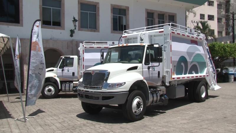 Llegan más camiones recolectores de basura a Mazatlán