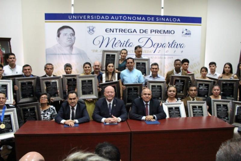 Entrega la UAS Premio al Mérito Deportivo Universitario