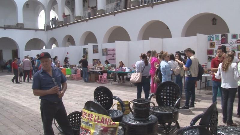 Se realiza la 5a. Edición de la Expo Mujeres Artesanas en el patio del Ayuntamiento de Culiacán