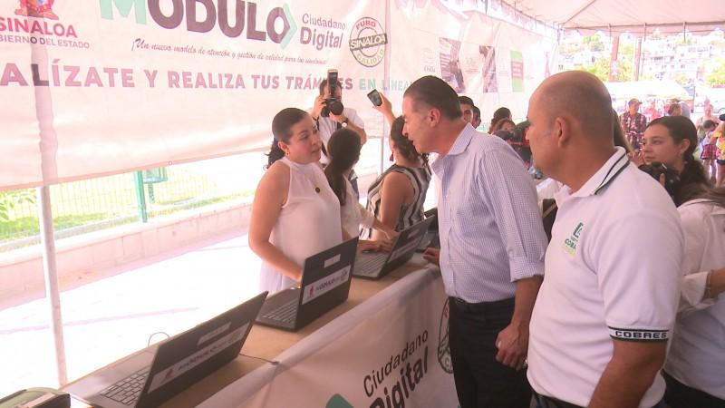 Topolobampo recibe apoyos estatales