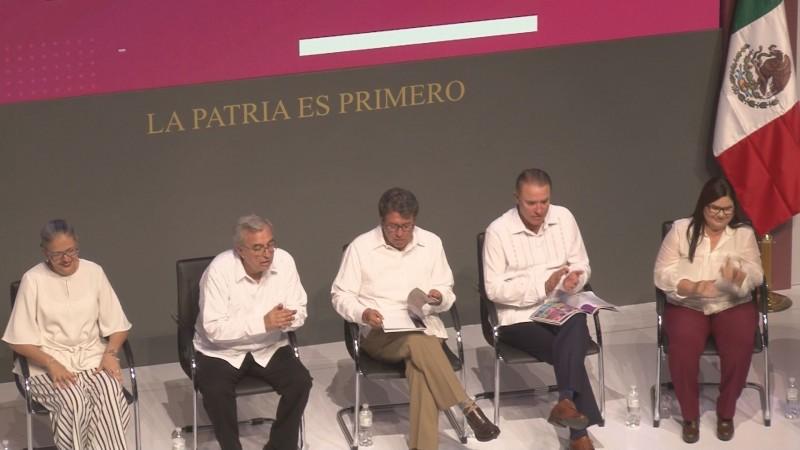 Presentan los Senadores Imelda Castro y Rubén Rocha, su primer informe de actividades