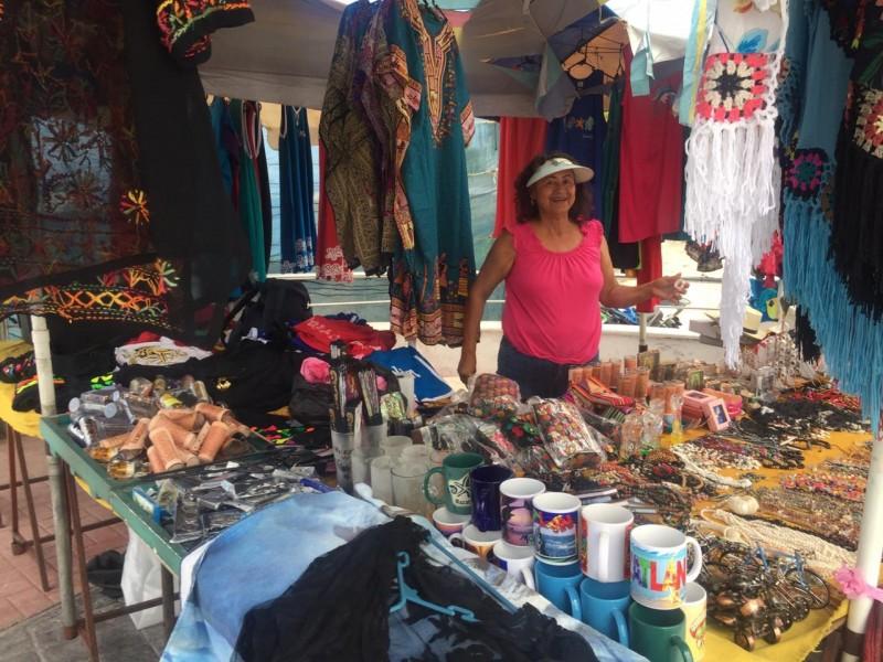 Vendedores de artesanías esperan buenas ventas en verano
