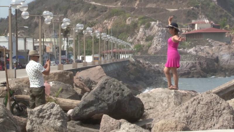 Camiones charteros llegan con lleno total de turistas a Mazatlán