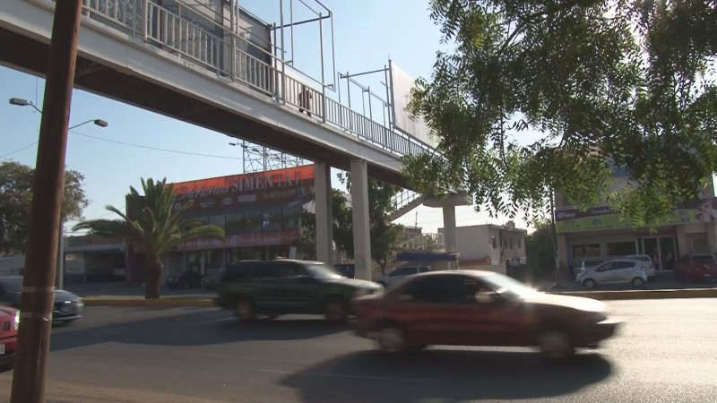 Se deben adecuar los puentes peatonales