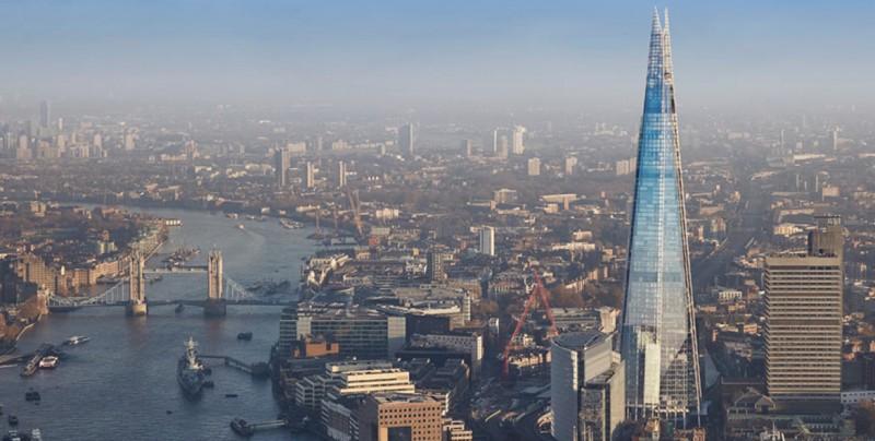 Un hombre escala sin cuerda el edificio más grande de Londres