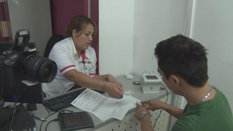 Llama INE a renovar credenciales 2018 y 2019