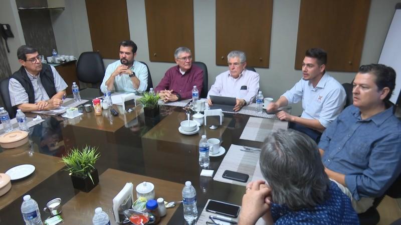 Buscara reunión estatal de la Intercamaral