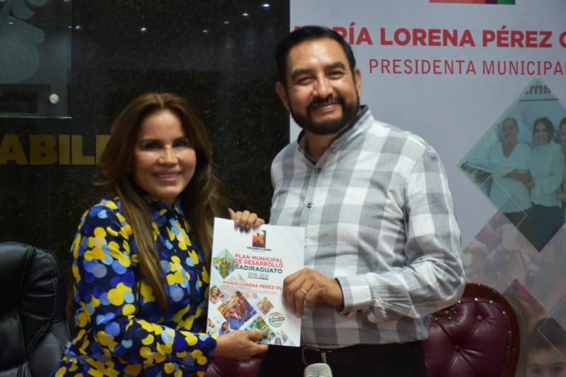 Presenta Lorena Pérez Plan de Desarrollo para Badiraguato