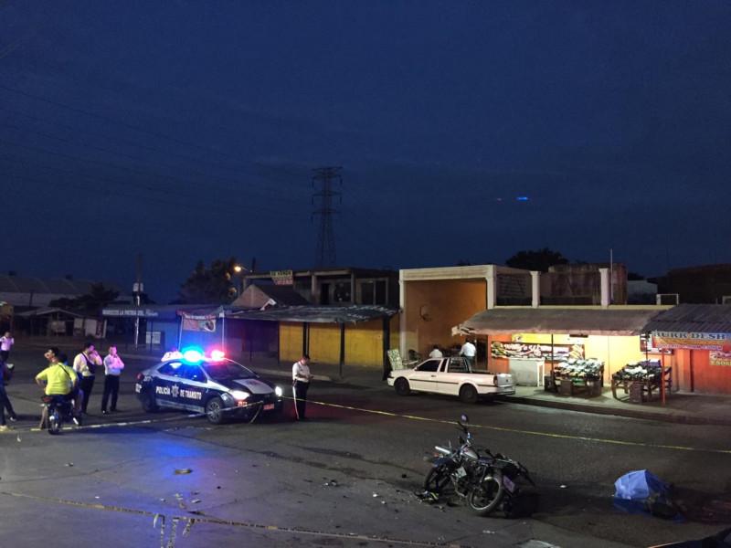 Muere un joven en choque de motocicletas