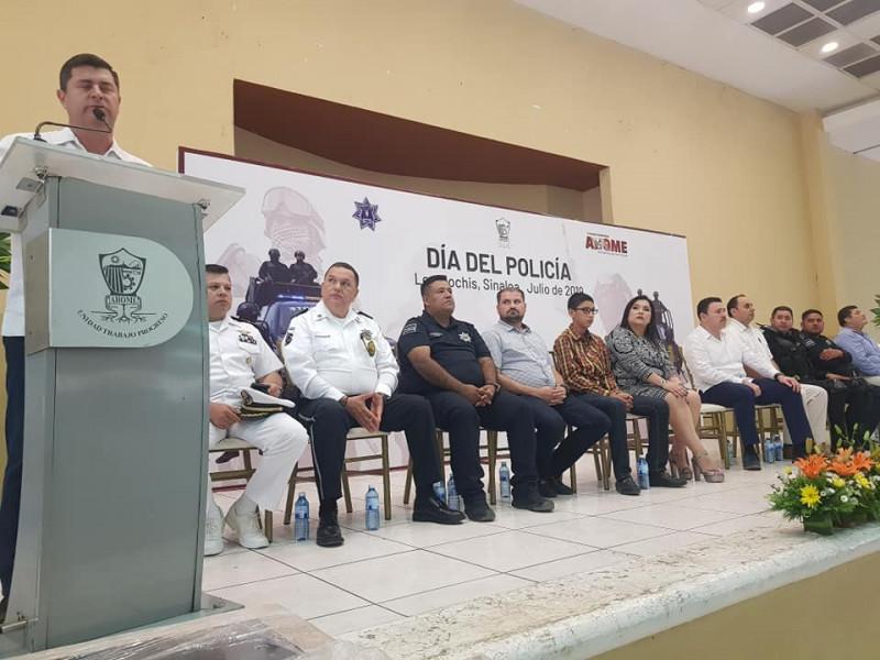 Celebran a policías municipales con 10% de aumento salarial