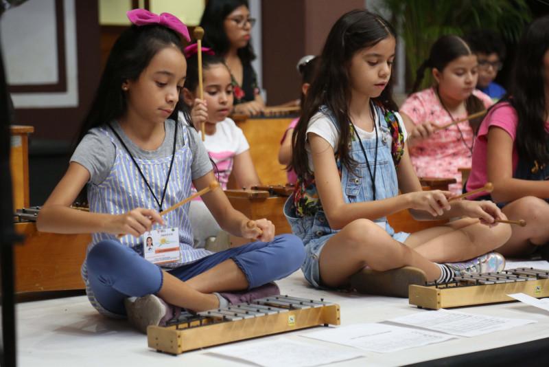Cierra ISIC con festival artístico los talleres de verano