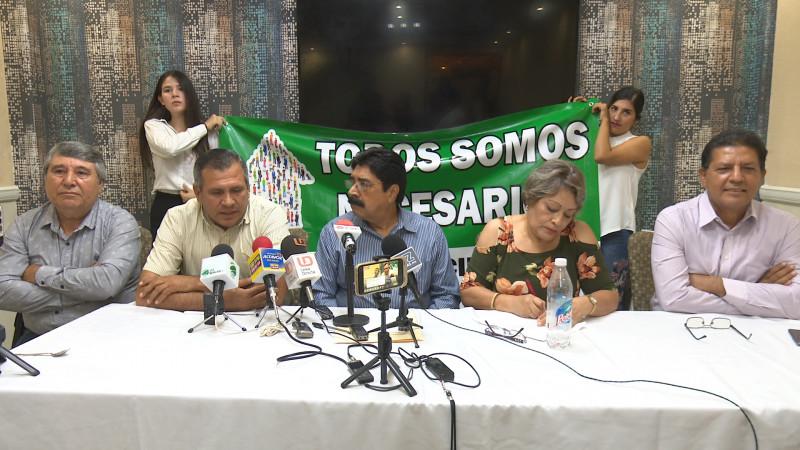 Renuncian militantes del PRD al partido