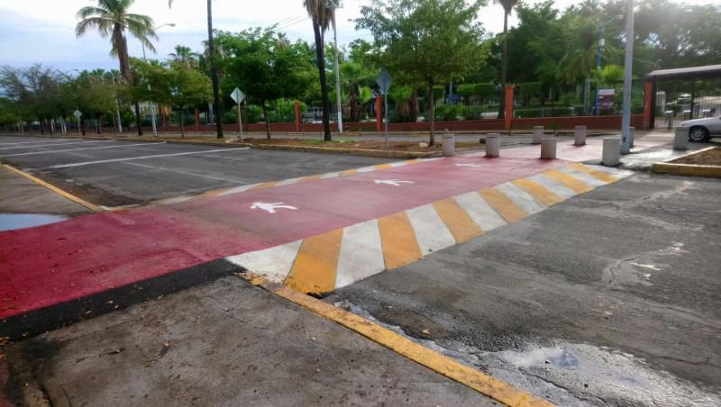 Instalan cruce peatonal sobre el Blvd. Las Américas