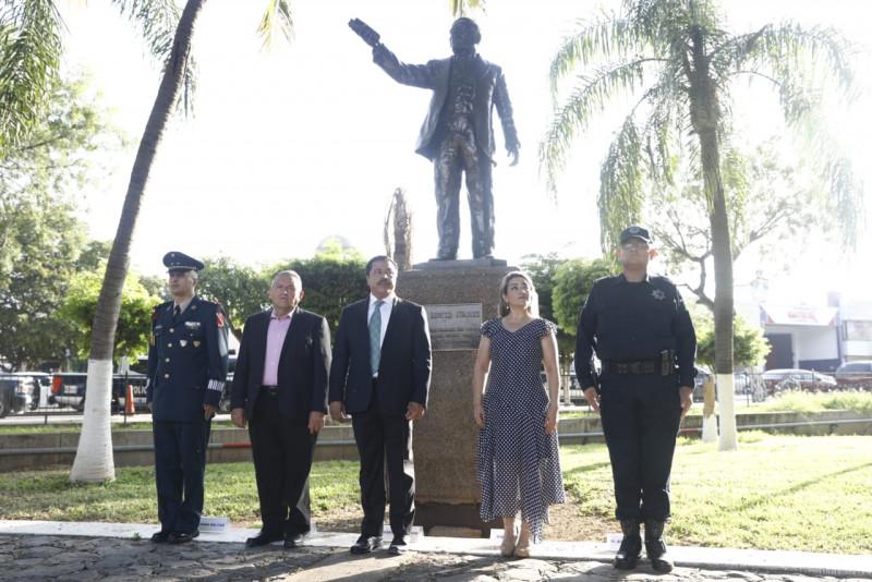 Honran la memoria de Don Benito Juárez, en su 147 Aniversario Luctuoso