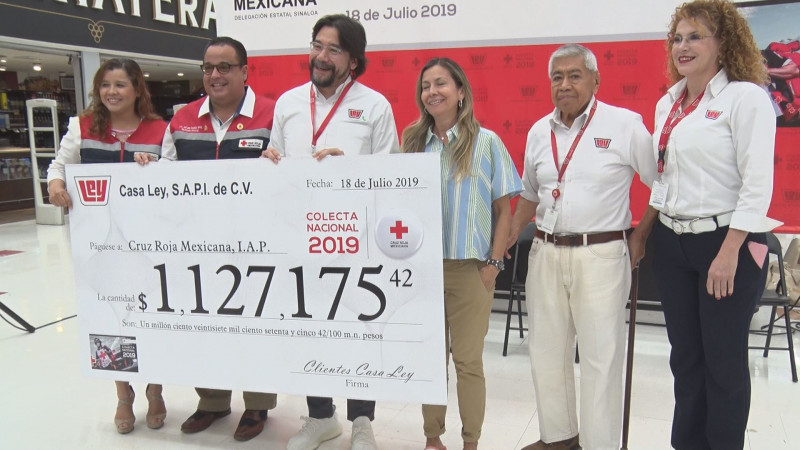 Cruz Roja recibe donativo del redondeo de Casa Ley