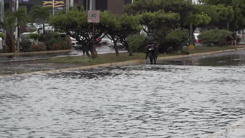 Tlalóc se hace presente en Mazatlán