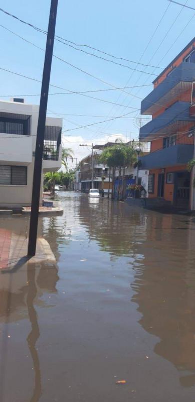 Llueve por 30 minutos y se inunda el Centro Histórico en Mazatlán