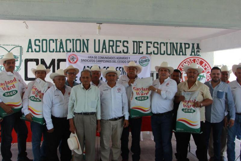 Entrega la CNC semilla a productores de temporal del sur de Sinaloa