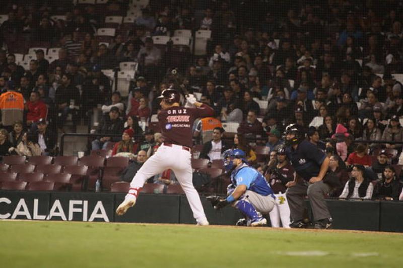 """Destaca el bate de Luis Alfonso """"cochito"""" Cruz en verano"""