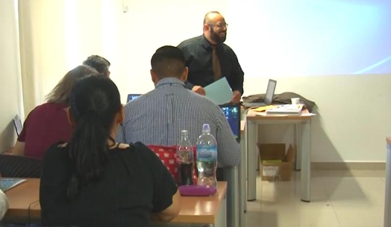 Active English busca título estatal para aplicación de examen CAL EPT