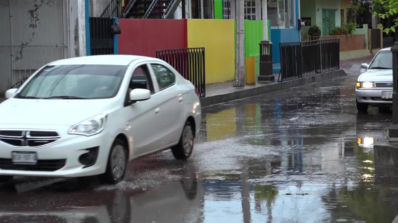 Se registra chubasco matinal en Mazatlán