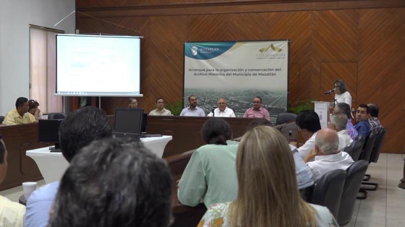 Entregan software para digitalizar archivo histórico en Mazatlán