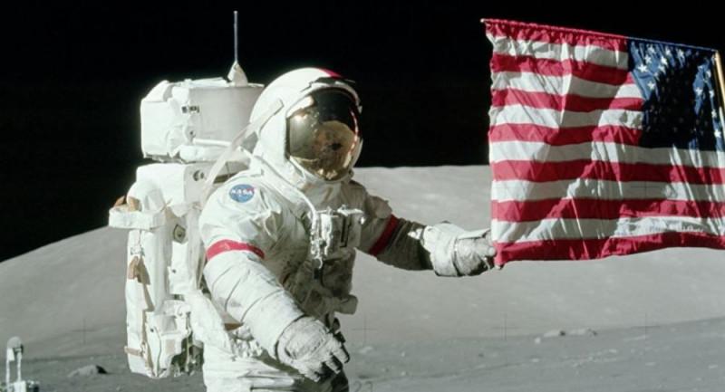 EEUU tiene la intención de enviar astronautas a la Luna en 2024