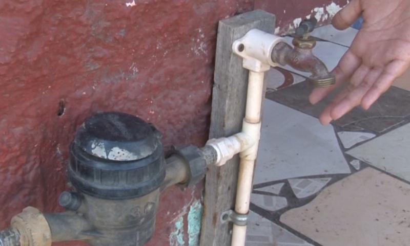 Continúan problemas de desabasto de agua en colonias de Mazatlán.