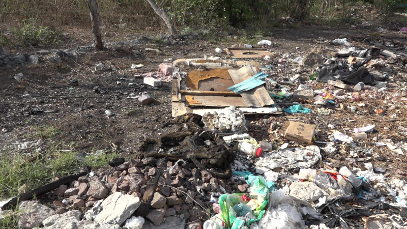 'Saturan' a Ecología Municipal denuncias por lotes baldíos contaminados