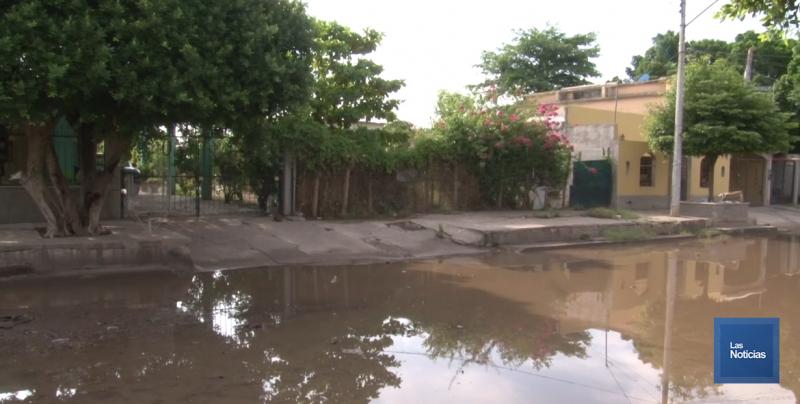 Piden que atiendan problema en calle Obregón del Plan Oriente