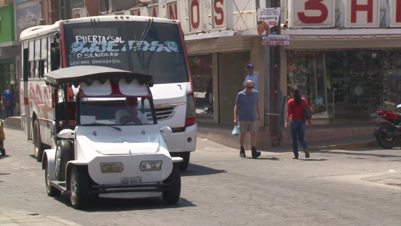 Regresan dinero a turista que pagó un cobro excesivo a pulmonero: Vialidad