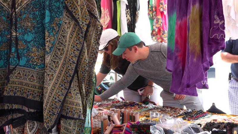 Vacaciones de verano favorables para vendedores de artesanías
