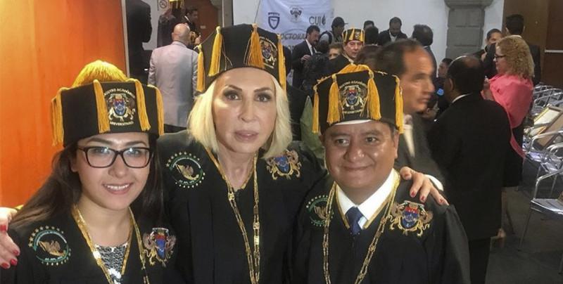 Laura Bozzo recibe doctorado Honoris Causa, Congreso de CDMX se deslinda