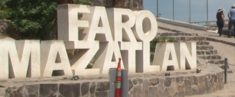 Gran afluencia de turistas visita el Faro Mazatlán estas vacaciones