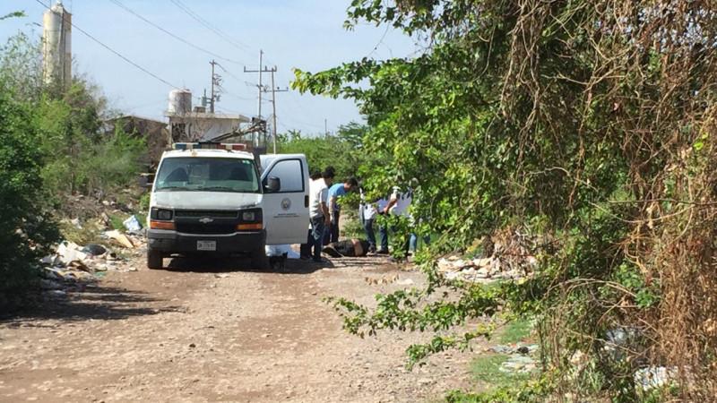 Localizan cadáver atado de manos y pies en Valle Alto