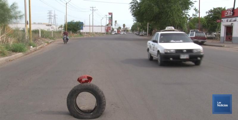 Hundimiento en calle Michoacán puede provocar accidentes