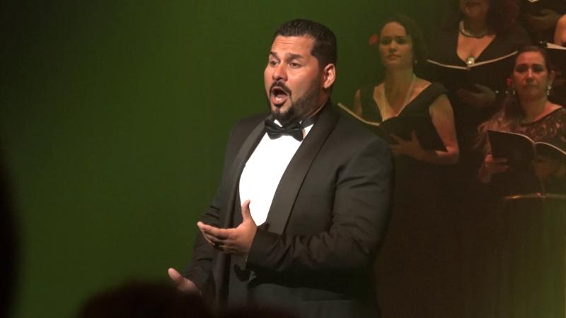 Carlos Osuna: del coro Ángela Peralta a la Opera Estatal de Viena