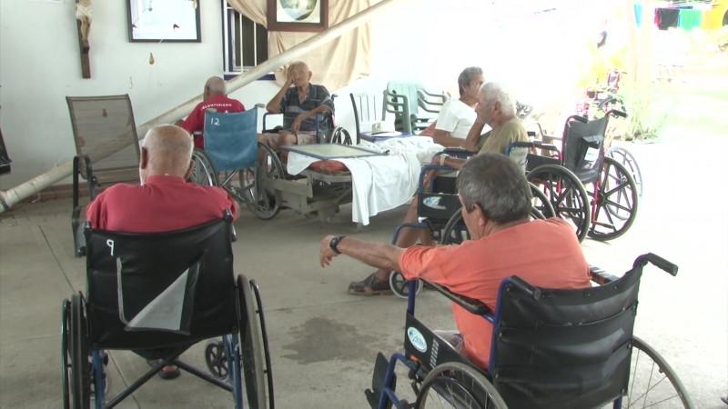 'Noquea' el calor al albergue Una Gota en El Oceáno de Mazatlán
