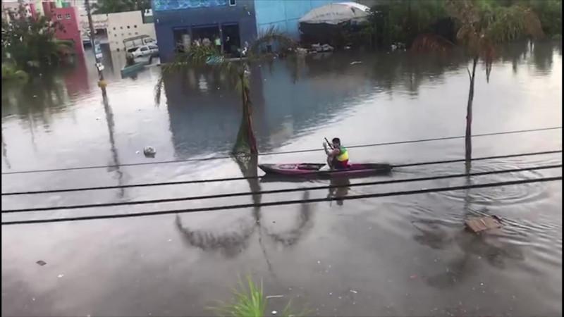 Gestiona Gobernador obras para mitigar inundaciones en Mazatlán