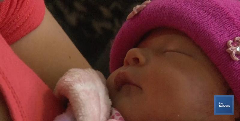 La leche materna le proporciona los nutrientes a los bebés